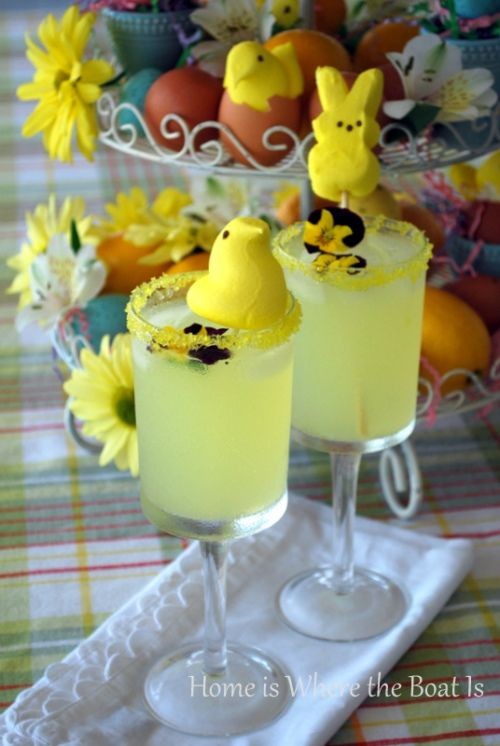 Peeps Easter Lemon Drop cocktail and lemonade. Easy chocolate bunny cocktails. Creative DIY Easter Desserts ideas for families and adults.